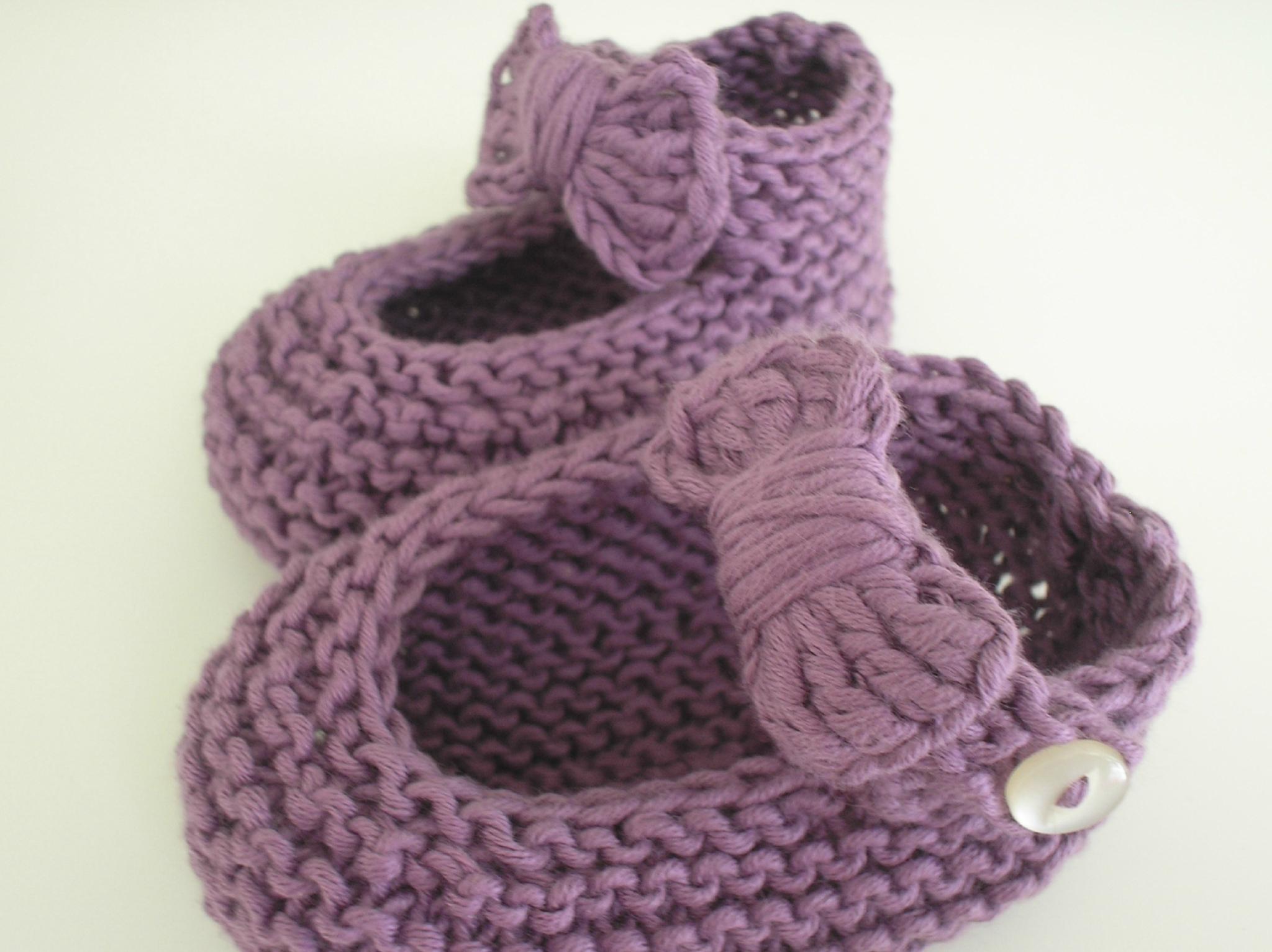 1363d5d9149a4 Modèle chaussons bébé tricot facile - Chapka