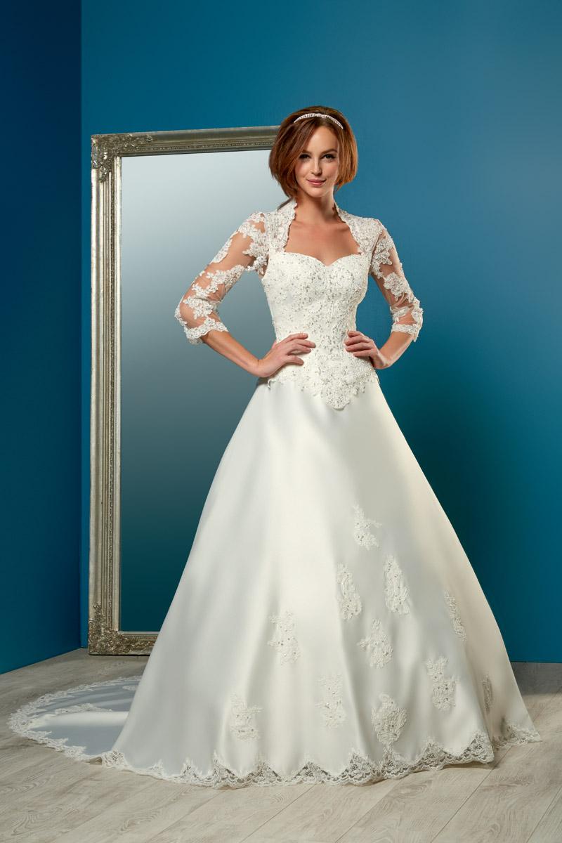 96520c58173 Je veux trouver une belle robe de soirée coloré ou élégante pas cher ICI  Robes de mariée chez tati ...