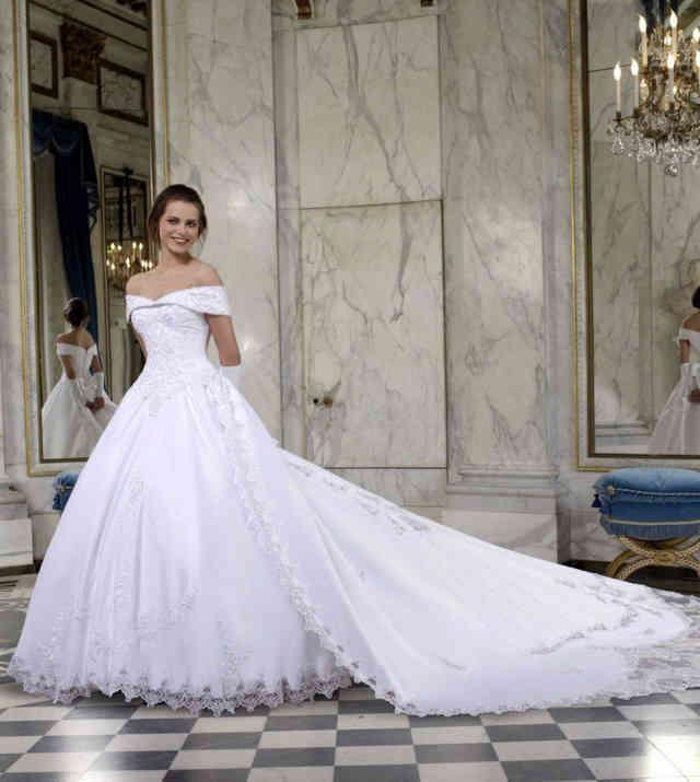 Robe blanche et bleu mariage