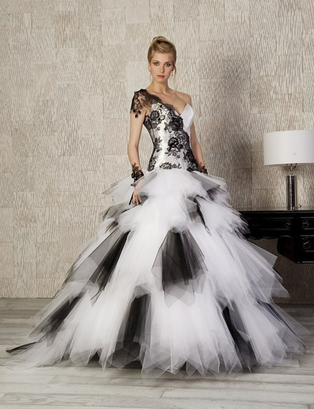 Robe de mariage noire