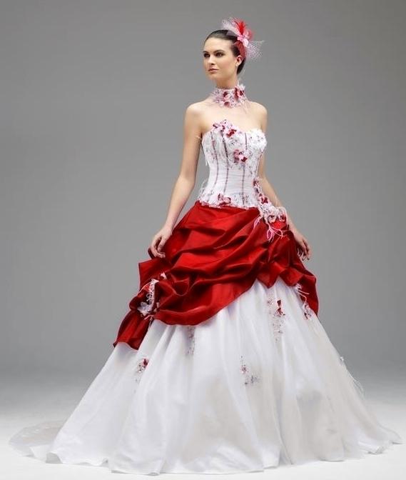 Robe de mariee blanche et rouge for Robe rouge pour mariage