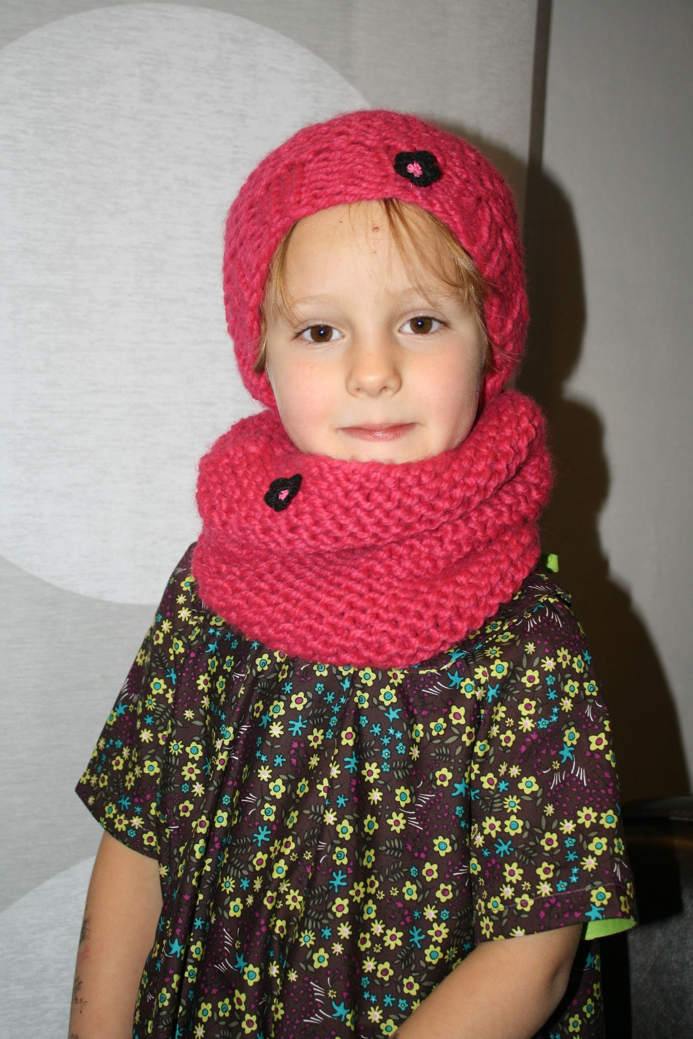 Je veux trouver un joli tricot pour mon bébé ou à offrir pas cher ICI Tricot  snood bébé tuto fee4d6960d3