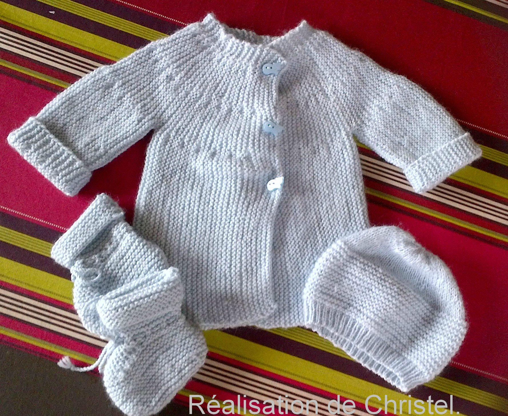 ff64d377e2feb Layette bébé fille à tricoter - Chapka