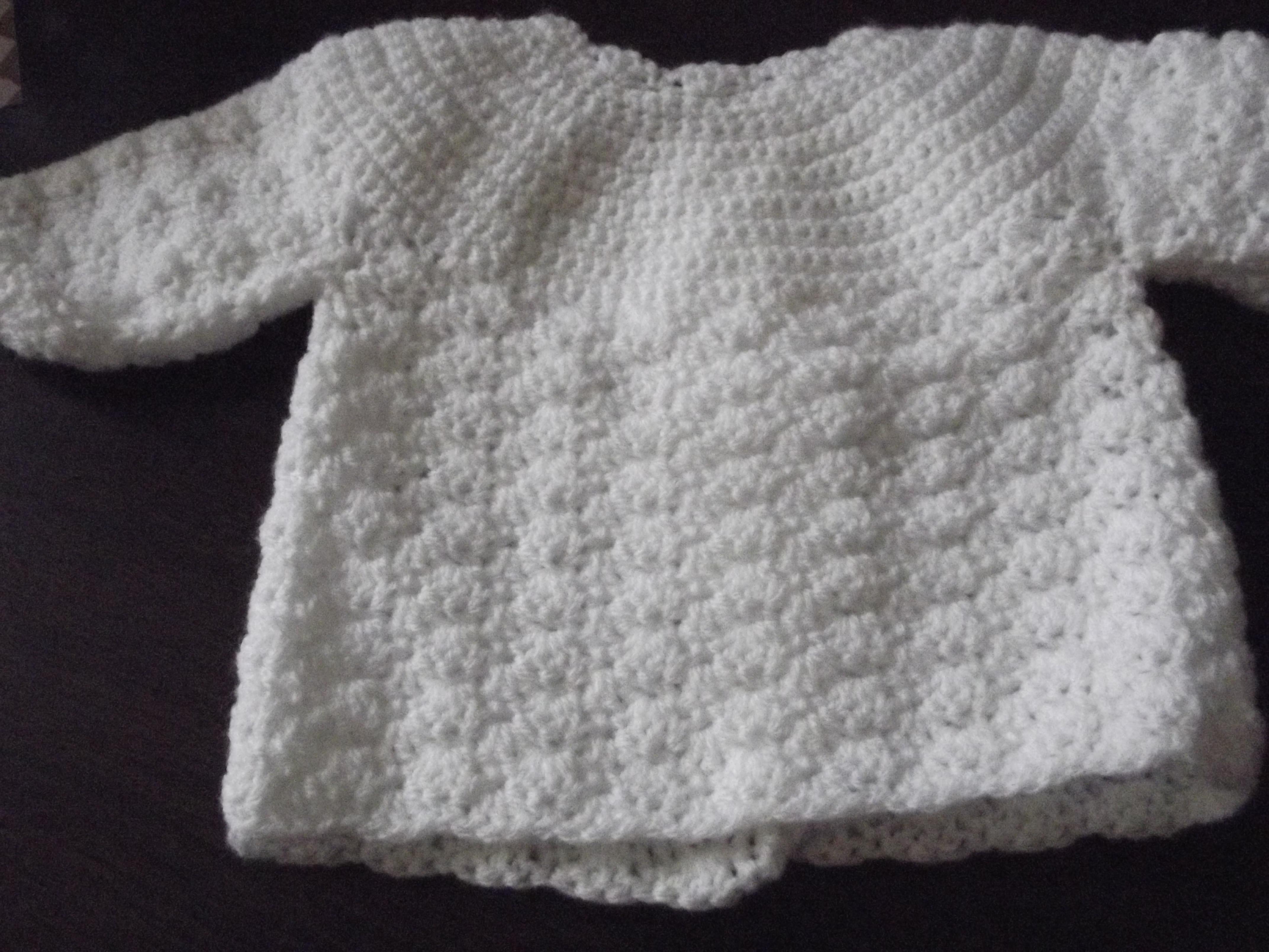c0fa933c2361f Je veux trouver un joli tricot pour mon bébé ou à offrir pas cher ICI Tricoter  brassière bébé gratuit