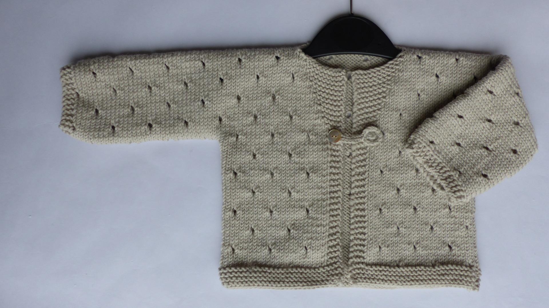 54a7fa3795e99 Tricot gilet kimono bebe - Chapka