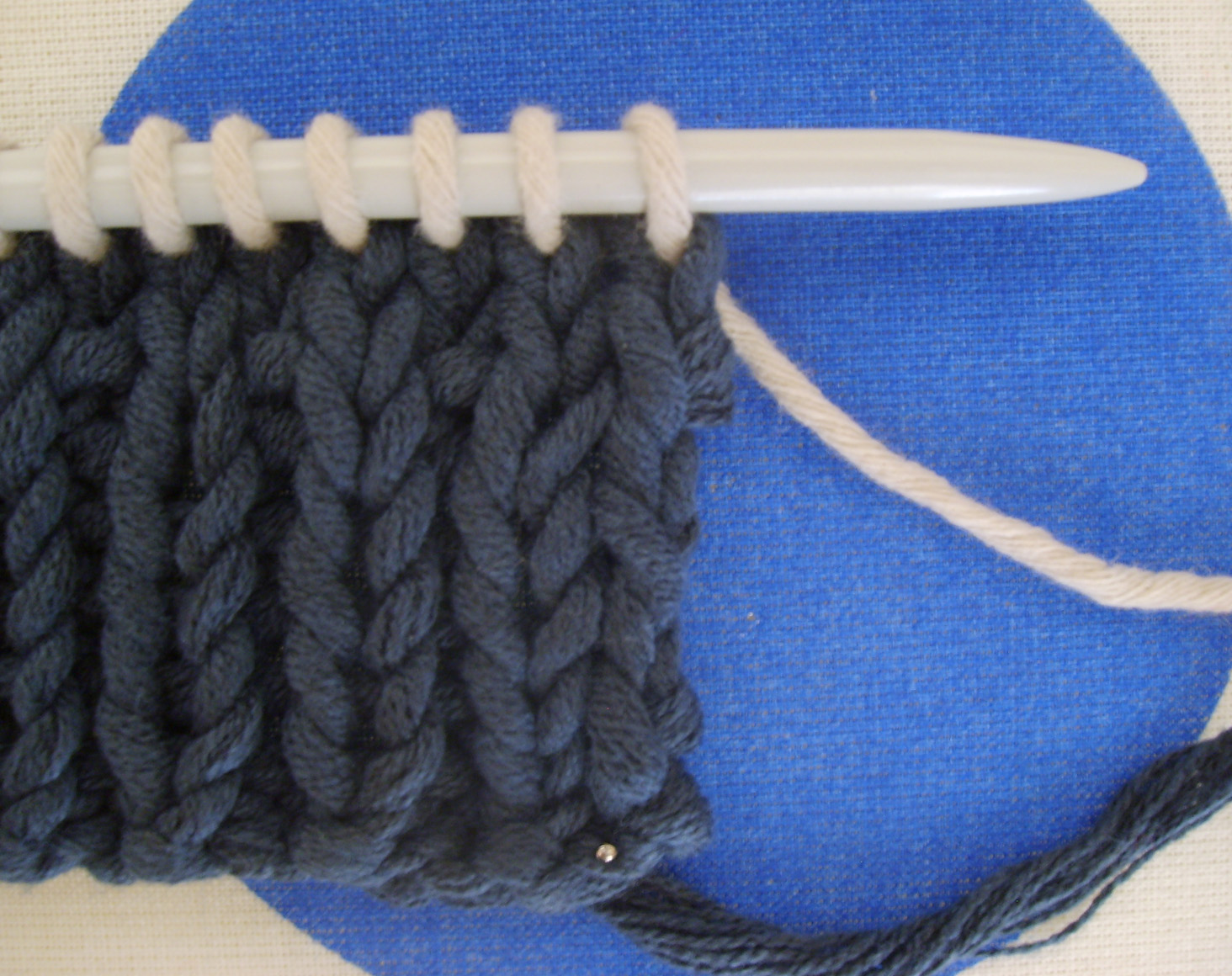 9473e5c1b34 Modele tricot grosse laine gratuit - Chapka
