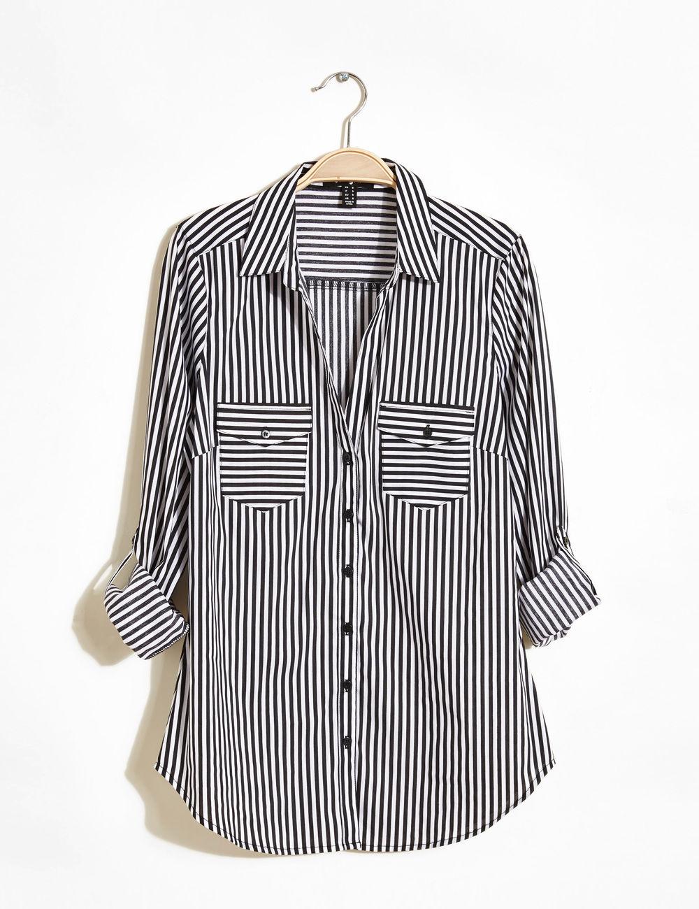 Je veux trouver une belle chemise femme et agréable à porter pas cher ICI  Chemisier femme noir et blanc b4433f0e3822