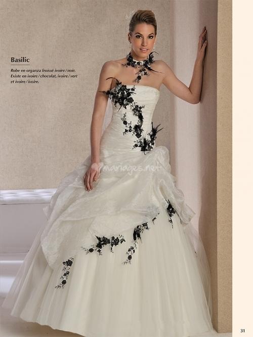 Robe de mariee en noir et blanc