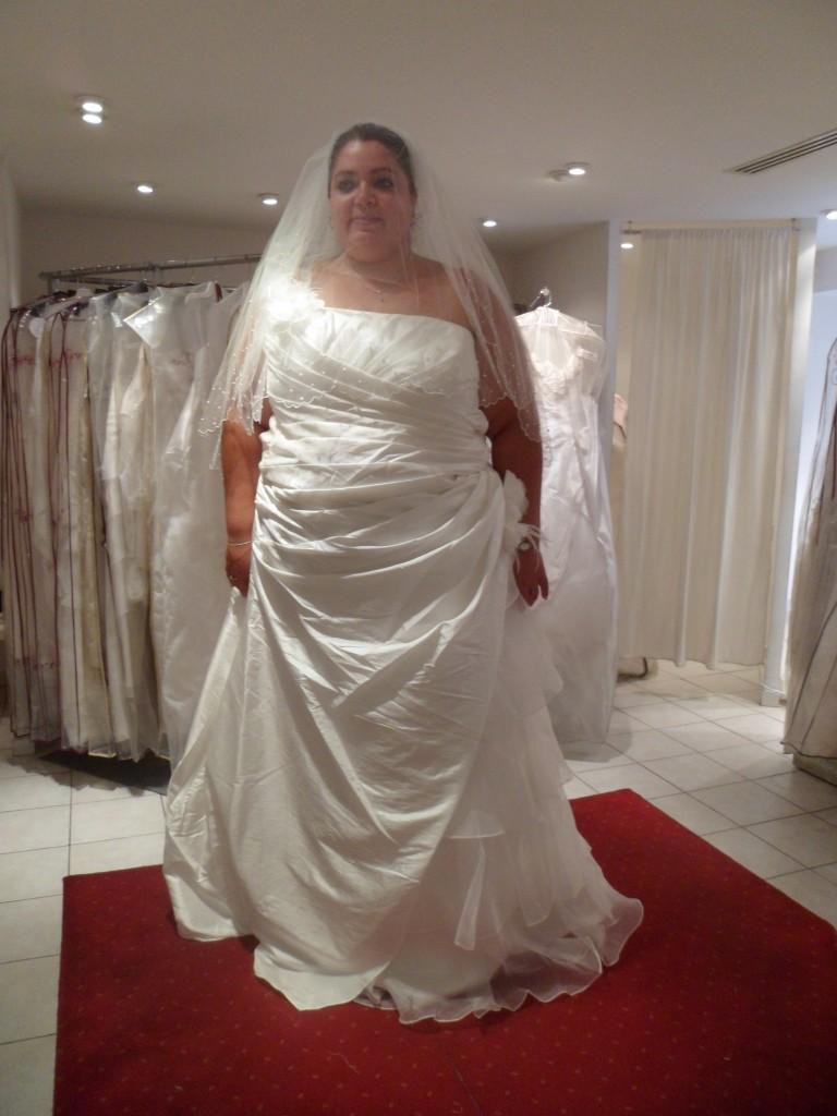 f3094374e4b7 Marques de robes de mariée - Chapka