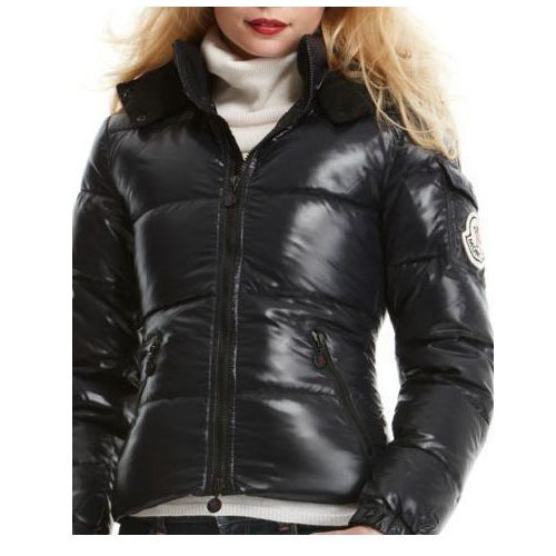 Je veux trouver une doudoune de marque femme qui tient chaud pas cher ICI Doudoune  moncler femme angers noir fourrure dae8289122c