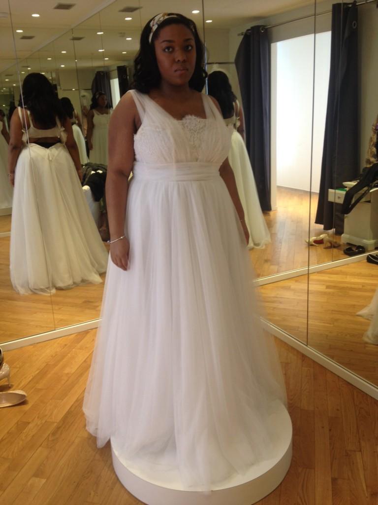 1f291c7e50e Je veux trouver une belle robe de soirée coloré ou élégante pas cher ICI  Robes de mariée grande taille tati