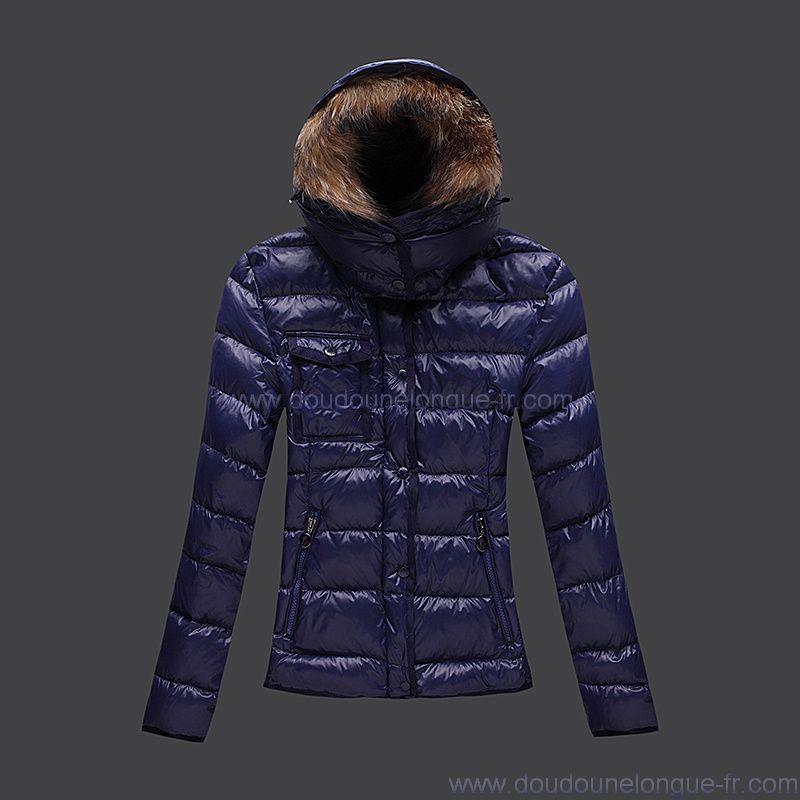 75fb3ebcee7 Je veux trouver une doudoune de marque femme qui tient chaud pas cher ICI  Doudoune moncler femme bleu marine