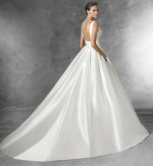 49fcbd4f955 Je veux trouver une belle robe de soirée coloré ou élégante pas cher ICI  Morphologie o robe de mariée