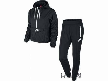 ... Homme - Noir Je veux trouver des vêtements de sports fitness running de  qualité et pas cher Nike Knit Tracksuit Squad ... aaeaab3fe4b