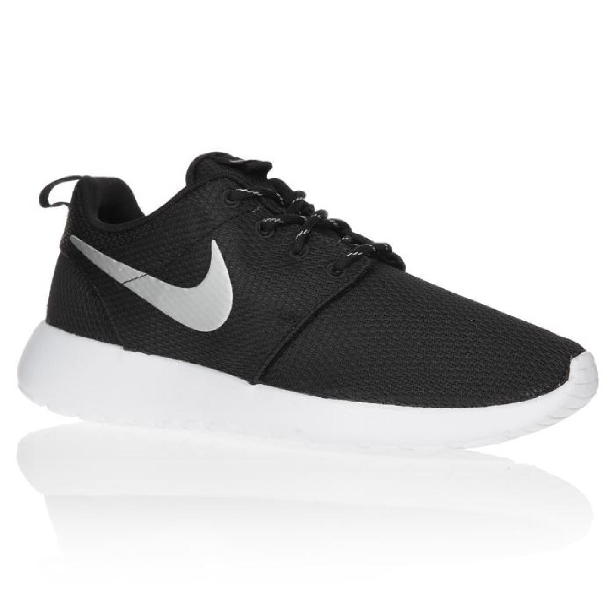 innovative design b2e65 2a09d Je veux trouver des vêtements de sports fitness running de qualité et pas  cher ICI Nike chaussure femme