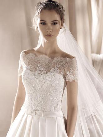 5112bb026aa Je veux trouver une belle robe de soirée coloré ou élégante pas cher ICI  Robes de mariée à lille
