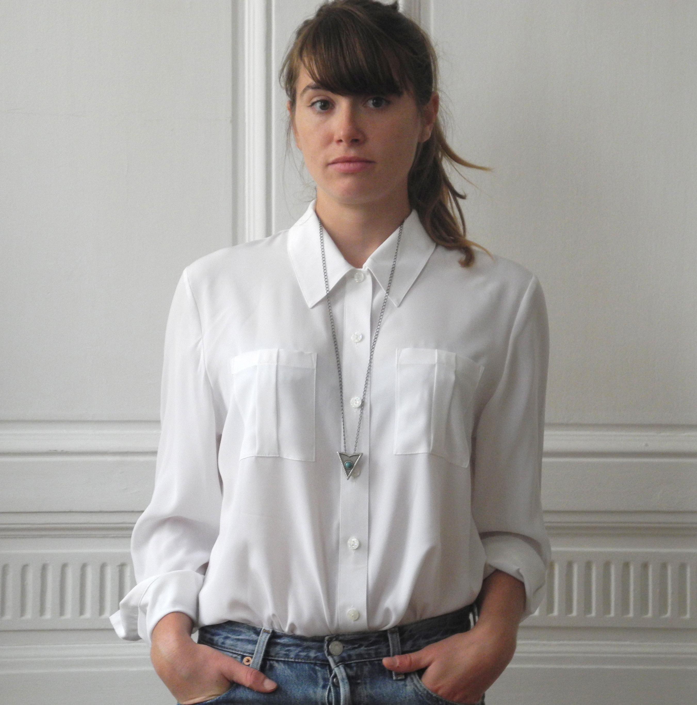 Je veux trouver une belle chemise femme et agréable à porter pas cher ICI  Chemise blanche femme fluide fd73ffd41ea5