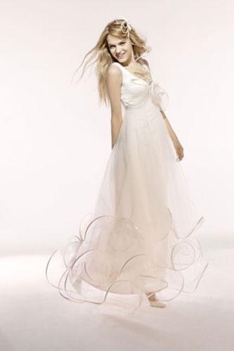 a06318c079c Je veux trouver une belle robe de soirée coloré ou élégante pas cher ICI  Quelle robe de mariée à 40 ans