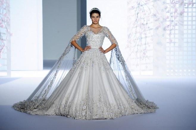 990e31f97a7 Je veux trouver une belle robe de soirée coloré ou élégante pas cher ICI  Robes de mariée haut de gamme