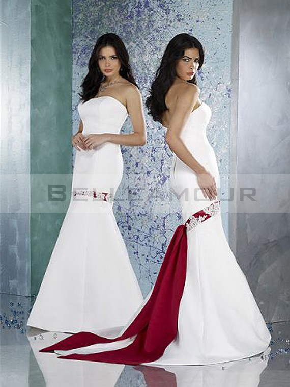 Robe blanche et rouge pour mariage